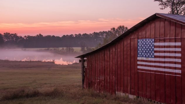 barn-us-flag